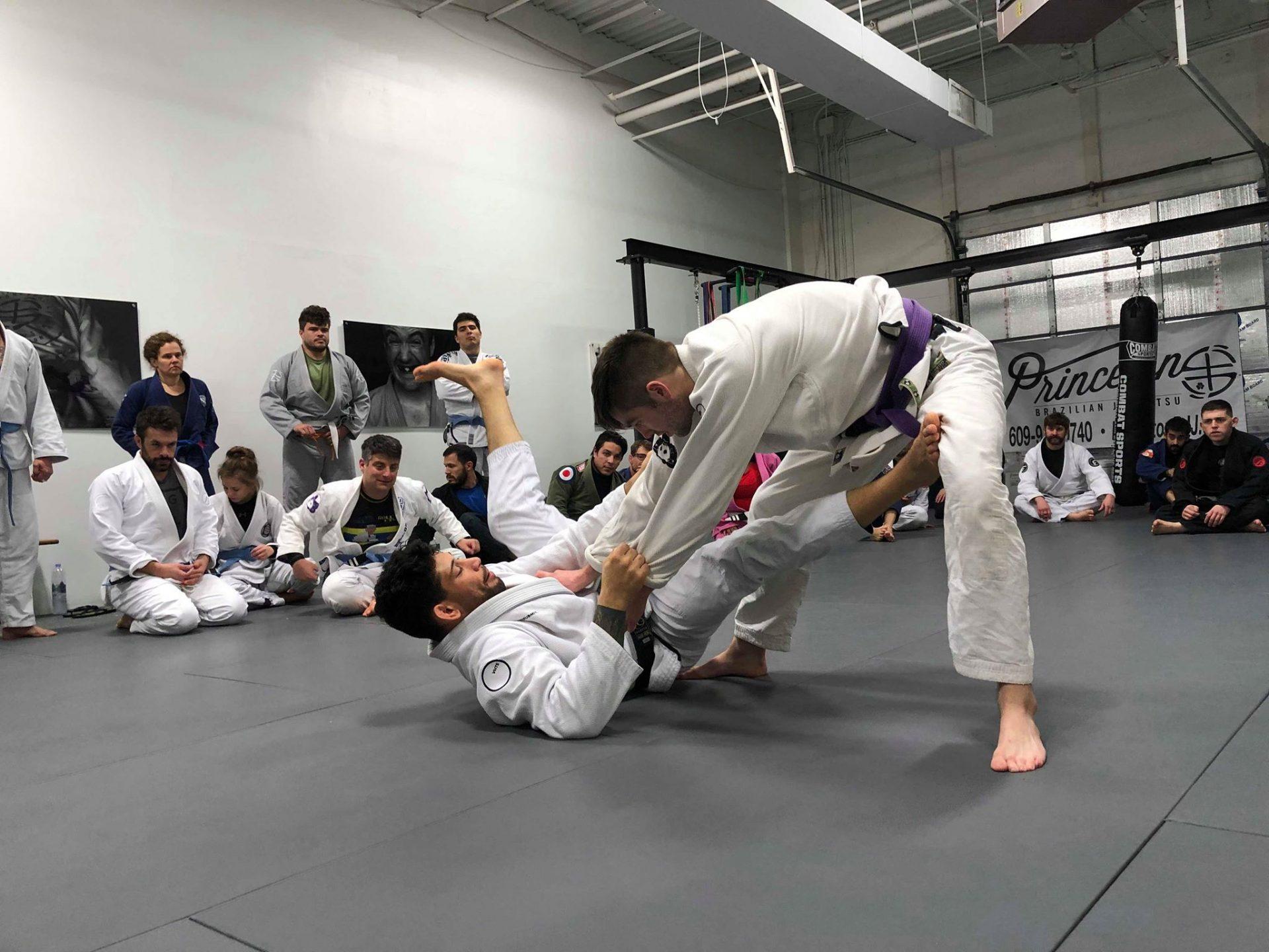 Matheus Diniz teaching lessons at the seminar this past Saturday